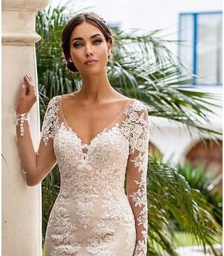 彰显新娘人鱼线 体现极美时刻 浪漫优雅的婚纱