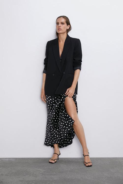 每日穿搭经典 女性喜爱的连衣裙 带给你百变风格