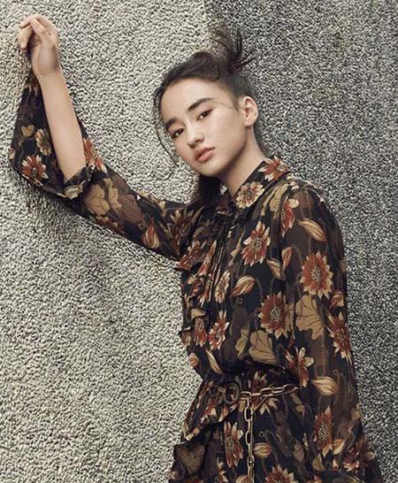 FOLLOW VARA 当原生态少女与秋季的风缠绕