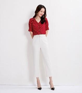 爱依莲女装品牌关注当季服装潮流趋势,顾客趋之若鹜