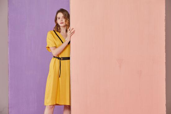 真斯贝尔:连衣裙展现女性魅力 优雅高雅才是美丽