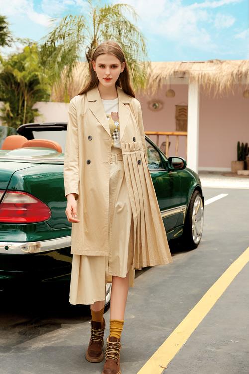 秋季女性必备优雅服装 展现出女性独特的魅力