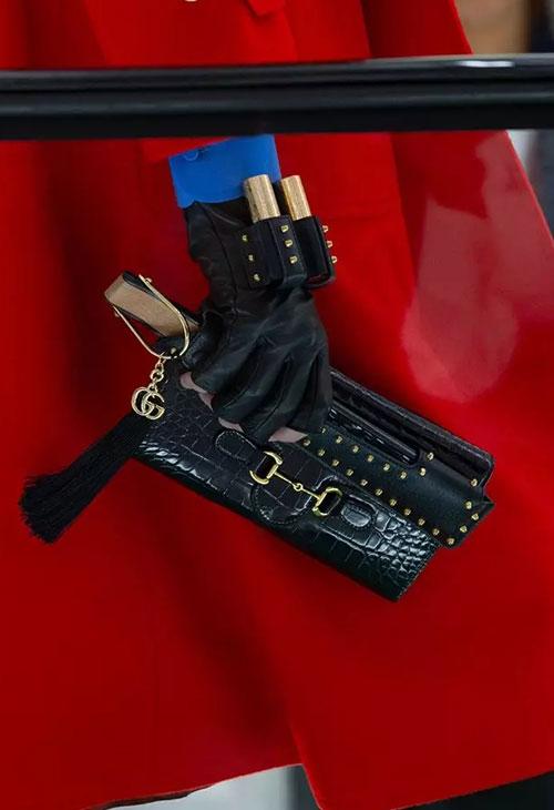 时尚的权力游戏高潮迭起 摩登又夸张的叛逆细节