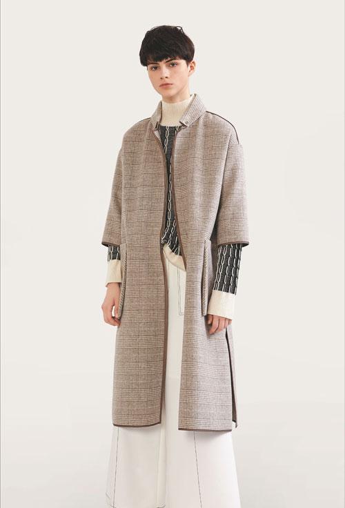 意澳秋季新品 将时尚回归到简约主义的怀抱
