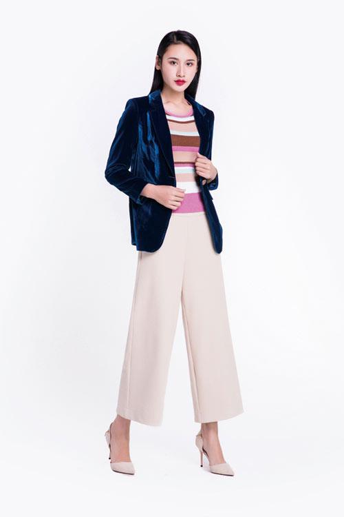 秋季将至又会是一轮新时尚 感受服装带来的魅力