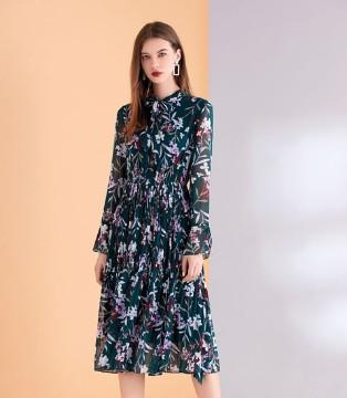 艾丽哲秋季新品竟然有那种服饰吗?对没错就是那种