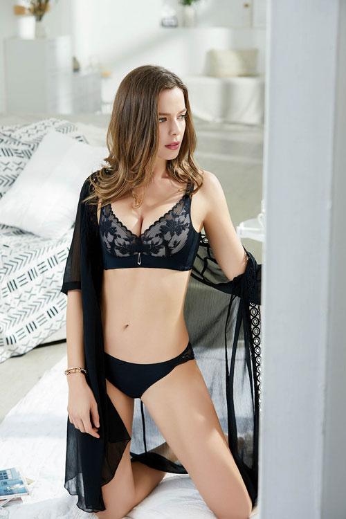 你还在想穿什么内衣舒适吗?亲闺密语告诉你