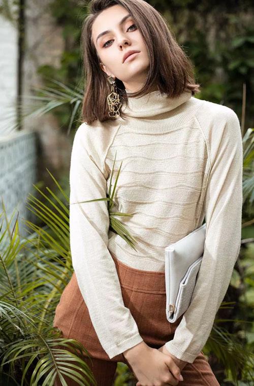 这个冬季需要一件既保暖又时尚的羽绒