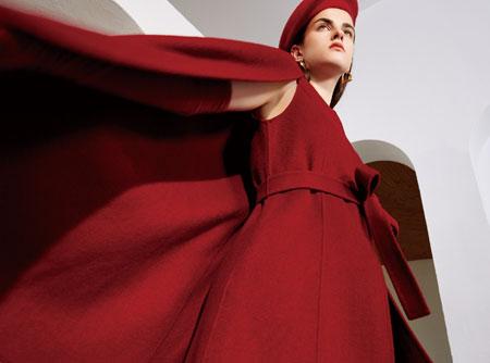 红凯贝尔:入冬之搭 展现完美身材