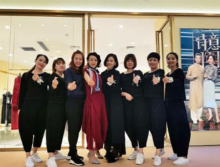 南宁万象城缘尚儿旗舰店开业 很高兴遇见你 我们来了!
