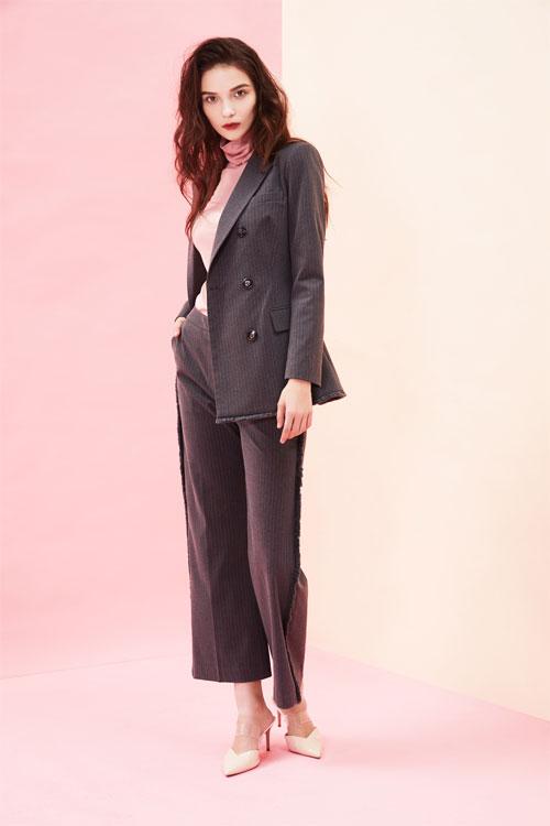 秋冬季职场女性的时尚穿搭 西逅女装为你揭秘!