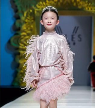 V-RULES中国国际时装周演绎风尚盛宴!