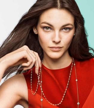 奢侈品珠宝品牌蒂芙尼Tiffany周一的股价已接近127美元