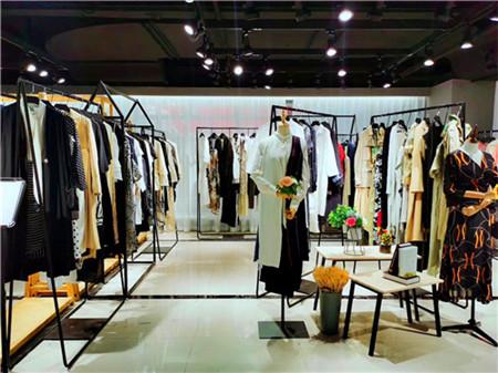 品牌折扣女装实体店前期预算和零售定价建议