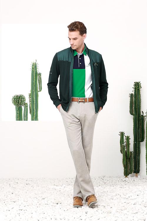 富绅新款冬装推出 换季了 也要保持自己的帅气不减