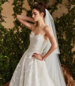 想做美丽新娘?看看Hayley paige婚纱吧