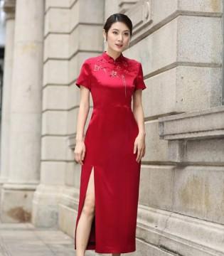 穿上东方贵族服装 展现东方贵族的美