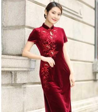 国风流行的今年 你的衣柜里有旗袍了吗
