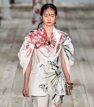 Alexander McQueen2020春夏系列 演绎精致与典雅