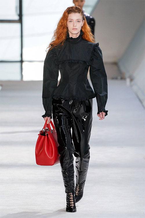 Giambattista Valli带你了解了解今个冬季的服饰穿搭