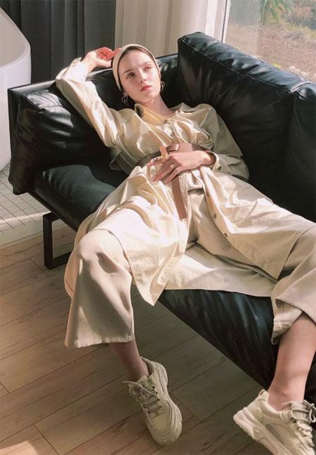 开春时尚穿搭  薇薇希女装助你做漂亮女人