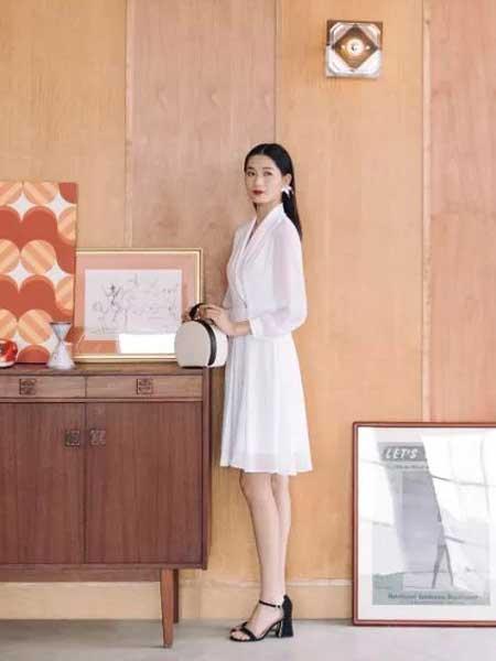 热烈祝贺甘肃卡蔓女装品牌白银店璀璨起航!