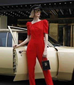 芸美时尚服饰恭祝全国人民新年快乐