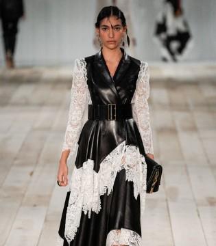 Alexander McQueen女装新品  优雅中透着一丝俏皮