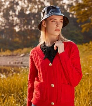 木丝语女装:时尚清新搭配 抒写春意之美