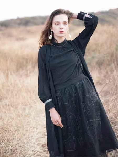 薇薇希女装 让你的人生达到美丽巅峰