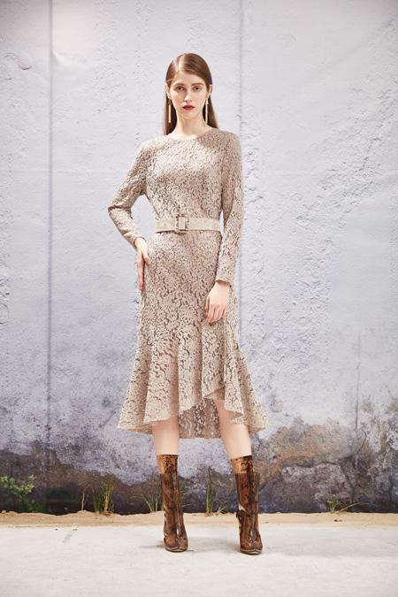 2020年怎样的品牌女装店吸引人 秋之恋品牌竞争力更强