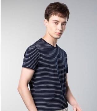 男士T恤穿搭  袋鼠教你穿出时尚感