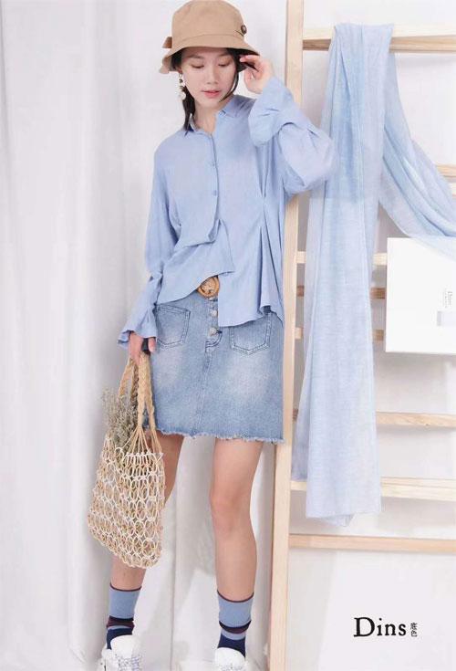 年度流行色——温柔淡雅的蓝 底色女装给你安排上了!