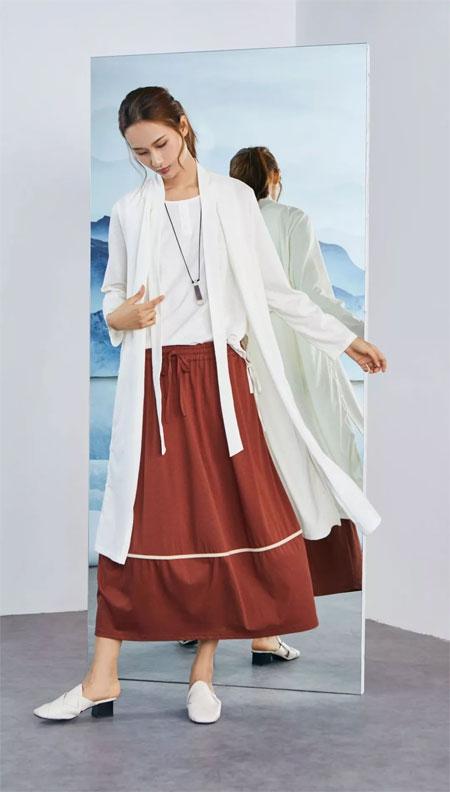 布伊轨道女装上新:赋予这个季节的颜色
