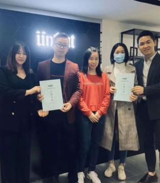 感谢刘姐一家人对恩咖的支持 祝新店生意兴隆!