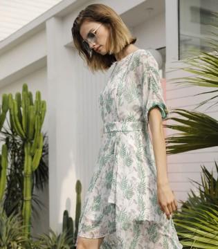 超显气质的连衣裙 打造你的独特魅力!