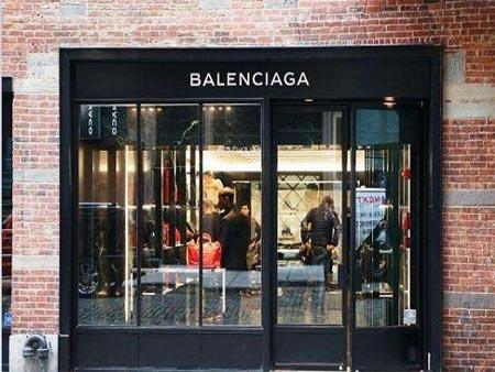 线上电商平台持续火爆 Balenciaga正式进驻天猫