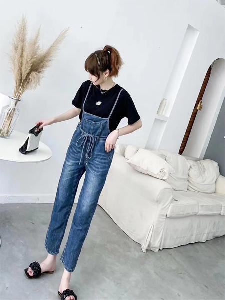 银轩服饰:时尚、舒适、又减龄,它是?