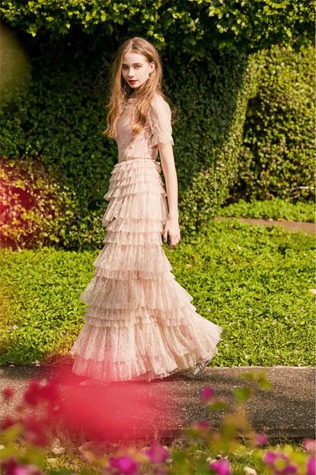 OU.欧点服饰: 公主裙 撩拨她的少女心