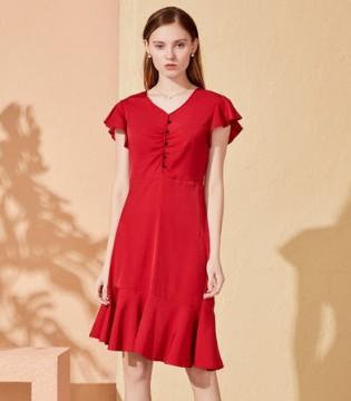 夏日想穿的更显白 你即永恒连衣裙告诉你!