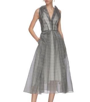 选择与自身气质相得益彰的美裙 随时随地焕发光彩
