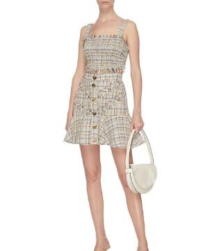 今个夏季 体验一下半身裙带来的时尚盛宴吧