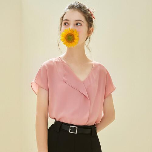 加盟广州戈蔓婷品牌女装连锁店 让这个夏季做百变女人