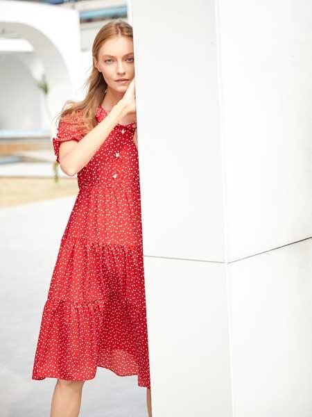 EI.女装波点元素连衣裙 浓郁的时尚气息