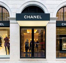 奢侈品�上�R聚首 Chanel新品通�^影片亮相