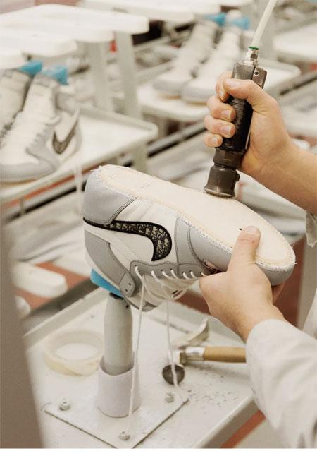 AIR JORDAN 1 OG DIOR限量运动鞋 背后的卓越技艺