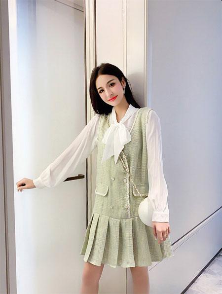 盛夏时节 清新绿色的穿搭跟元气少女更配哦