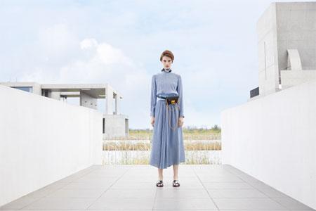清凉之风在夏季温柔倍增 落地客连衣裙打造新风尚