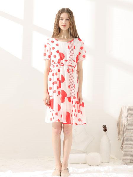 小清新总是女生的偏爱 也是夏季最IN的穿搭