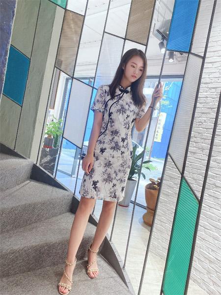 靓漫蒂:穿旗袍的女子 优雅风情至极